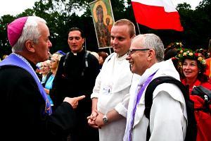 Biskup ponownie zagląda do naszej grupy