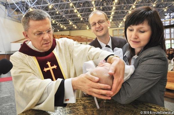 zdjęcia ze Chrztu Gdynia - Dobry fotograf na Chrzest Gdańsk